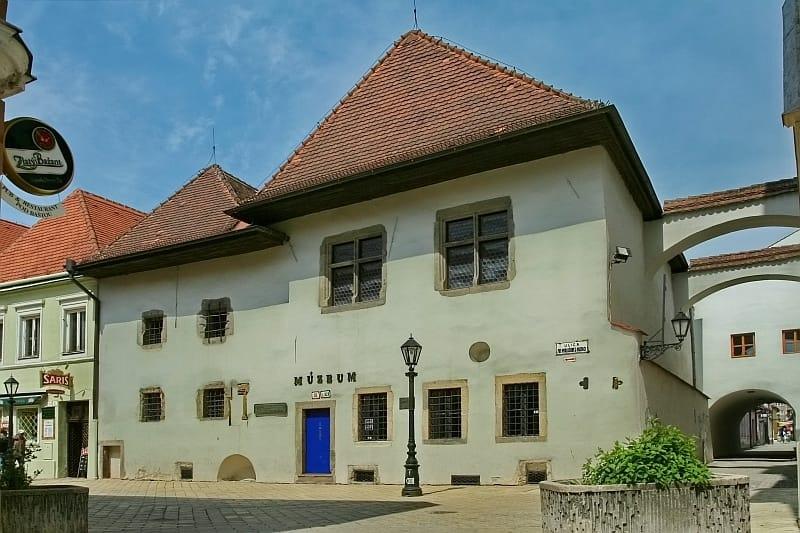 The Mikluš Prison