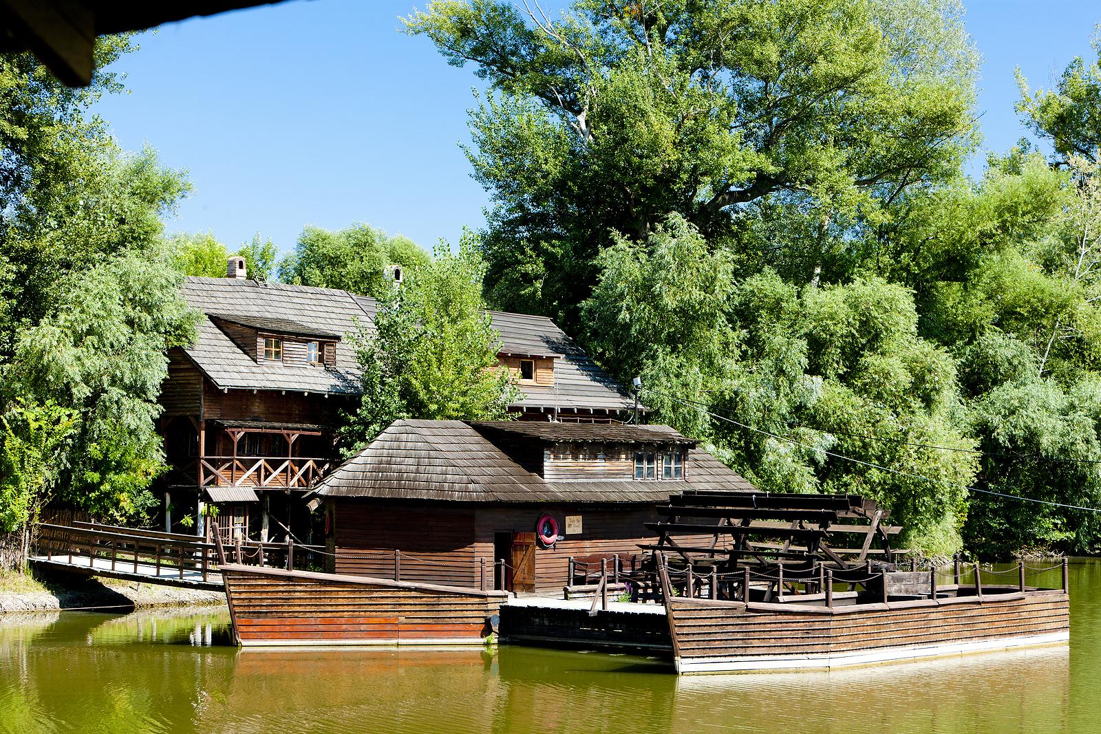 Vodný mlyn a malé technické múzeum Kolárovo